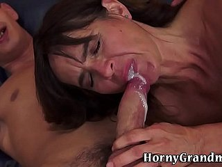 Masturbating mature descendant