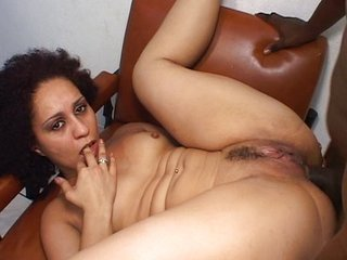 Crinkly Latina fucked beside her big pussy
