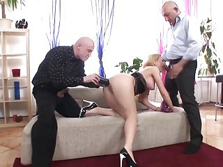 Isabella masturbates, gangbanged, parrot added to threesome analed
