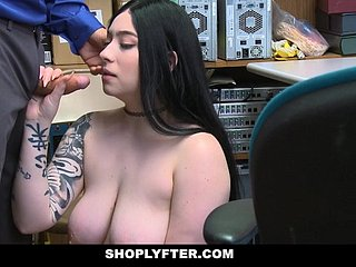 ShopLyfter - Going to bed Second-story Amilia Onyx